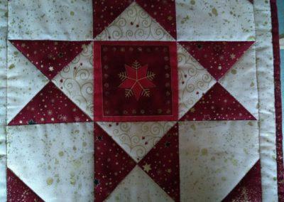 No 22 - Christmas Ohio Star Table Runner detail