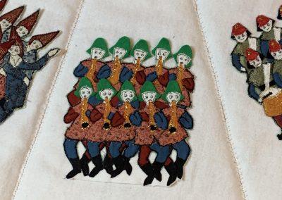 No 27 - Christmas Tree Skirt detail (2)
